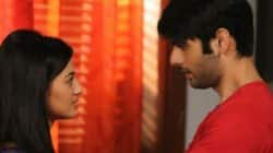 Swaragini 22nd September, 2016 full episode written update: Swara devastated as Daadi breaks the family!