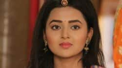 Swaragini 23rd September, 2016 full episode written update: Ragini cuts off all ties with Swara in a melodramatic manner!