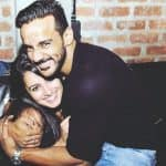 Anita Hassanandani copies Shah Rukh Khan in the cutest way possible - watch video