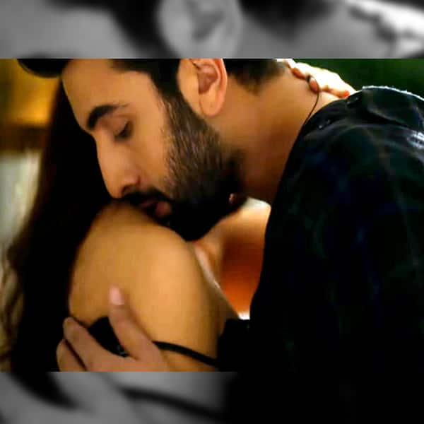 aishwarya-and-ranbir-kapoors-bulleya-also-features-a-steamy-strip-tease-sequence-201609-796780