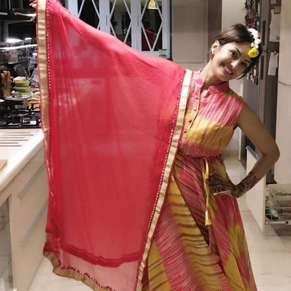 Bigg Boss 10 contestant Karan Mehra's wife Nisha Rawal throws a Karva Chauth party – view pics!