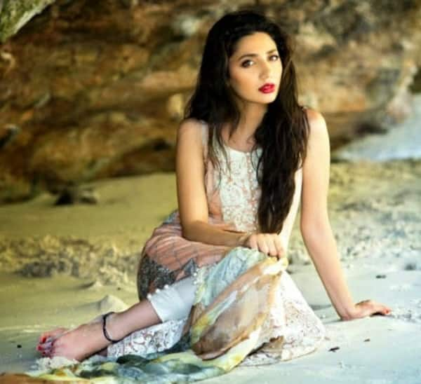 11 lesser known facts about Shah Rukh Khan's Raees actress Mahira Khan that will leave you surprised!