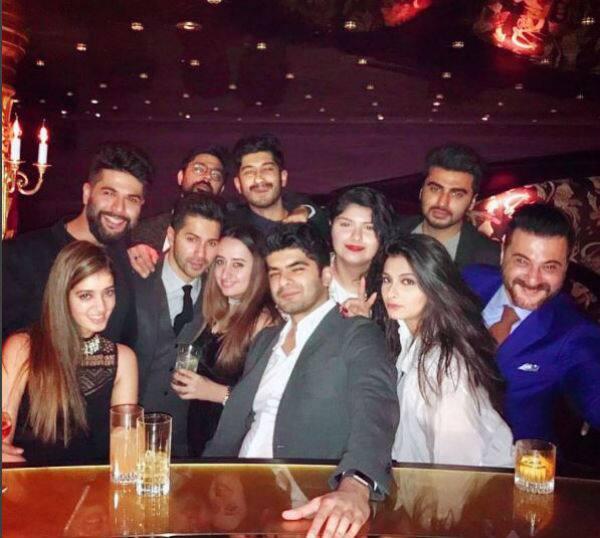 Look how Varun Dhawan was stuck to his girlfriend Natasha Dalal at this recent party – view pic
