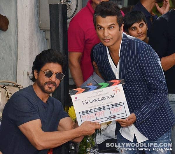 Shah Rukh Khan attends the mahurat of Vikram Phadnis' directorial debut Hrudayantar- view HQ pics