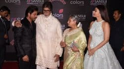 Shah Rukh Khan touching Amitabh and Jaya Bachchan's feet is the best thing you will see today – watch video