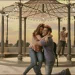 5 moments from Hrithik Roshan and Yami Gautam's Kaabil Hoon song that will restore your faith in love