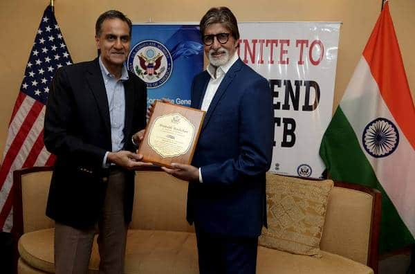 Amitabh Bachchan presented an award by the US embassy for his fight against Tuberculosis – watch video
