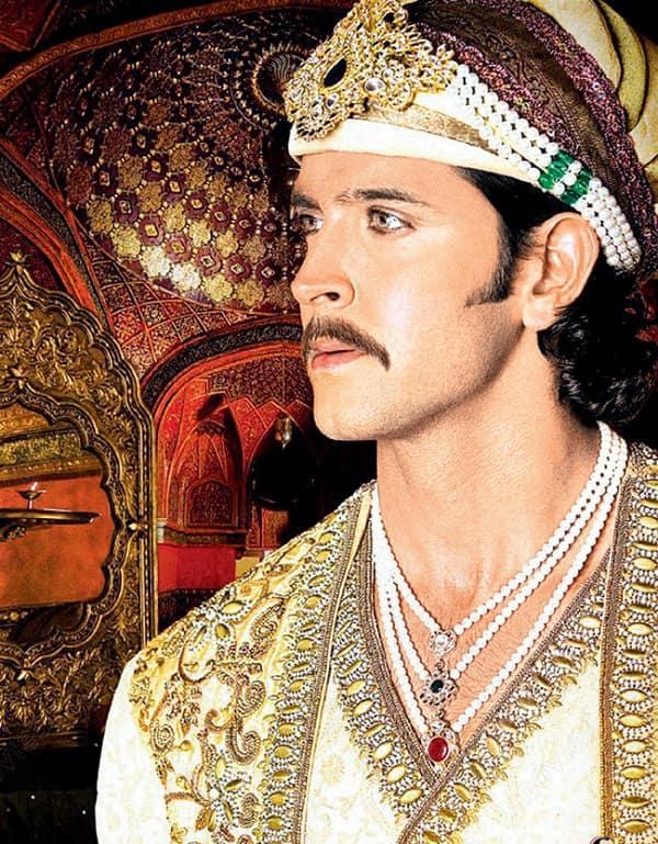 Hrithik Roshan wearing Kohl eyes