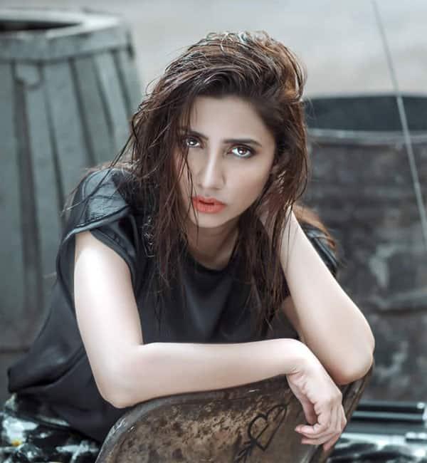 Mahira Khan feels bad because she cannot promote Raees in India