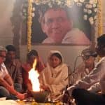 Om Puri's first wife Seema Kapoor holds his terahvin at her residence - view pic