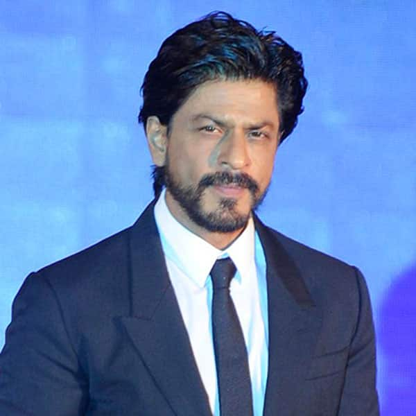Shah Rukh Khan mourns the death of a fan at Vadodara station during Raees promotions – read official statement!