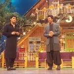 Shah Rukh Khan's first pics from the sets of The Kapil Sharma Show are here and oh boy.. he looks hot AF!