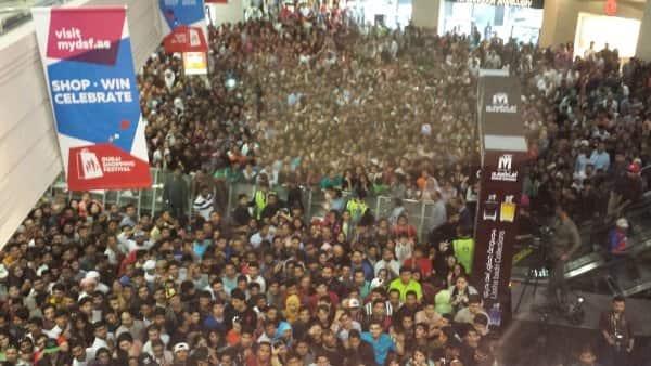 shah rukh promoting raees in dubai 2