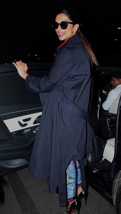 Deepika Padukone at airport in pjs (2)
