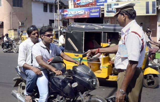 Helmetless-Bike-Riders-Fined