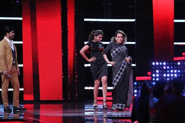 Kangana-Ranaut-trains-Sugandha-Mishra-to-walk-the-ramp-while-promoting-her-movie-Rangoon-in-&TV's-The-Voice-India-Season-2
