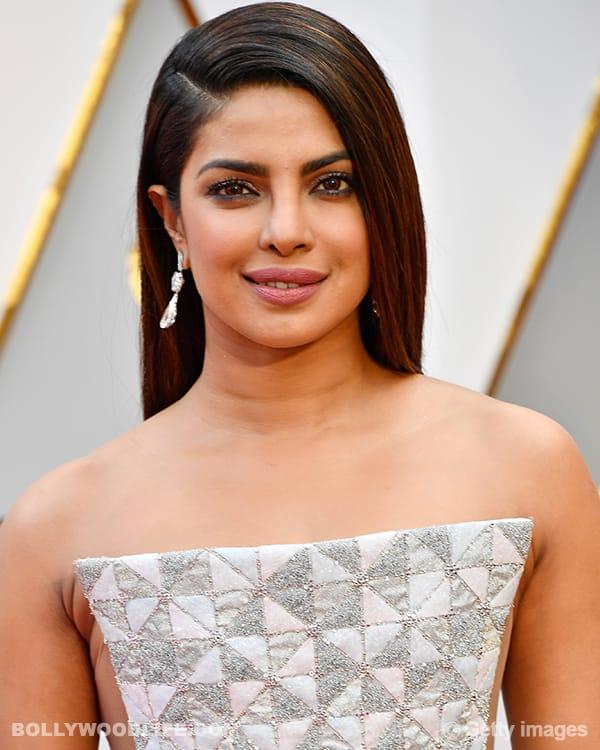 Priyanka-Chopra-at-Oscars-2017-3