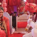 We want someone to look at us the way Riteish Deshmukh is looking at Genelia Deshmukh - view pic