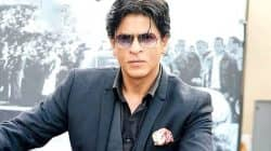 This video of Shah Rukh Khan helping a beggar will make you say he is a BAADSHAH indeed