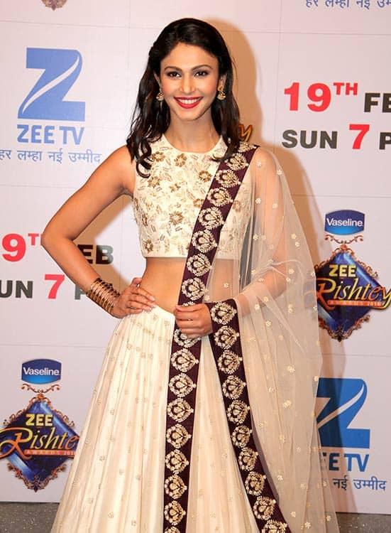 Shamata-Anchan-aka-Myra-from-Bin-Kuch-Kahe-at-Zee-TV's-Zee-Rishtey-Award.