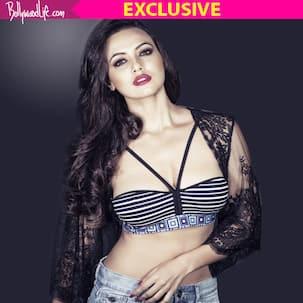 Sana Khan shares makeup tips with Bollywood Life - watch video!