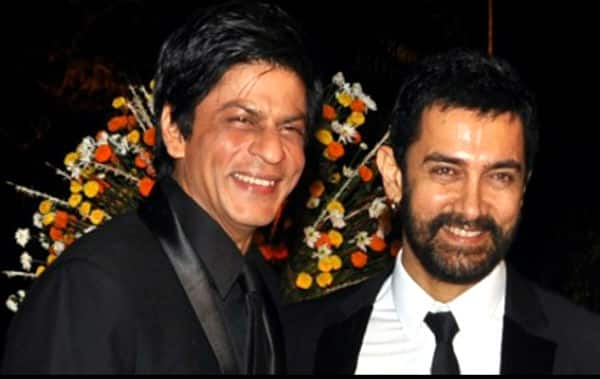 Shah Rukh Khan surprised Aamir Khan in the midnight and here's what happened next