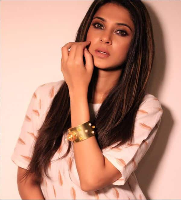 Jennifer Winget is the uncrowned queen of Television and ...