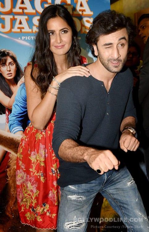 Ranbir-Kapoor-Katrina-Kaif-(3)