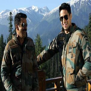 'अय्यारी' फिल्म की कश्मीर में शूटिंग खत्म, कुछ इस अंदाज में साथ दिखें सिद्धार्थ मल्होत्रा और मनोज बाजपेई