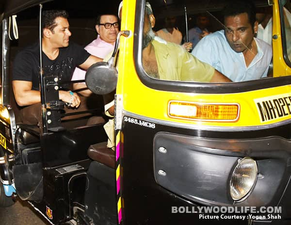 Salman Khan Enjoys An Auto-Rickshaw Ride Home
