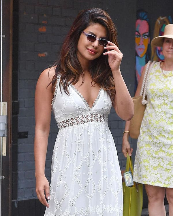 Priyanka Chopra stuns in new 'blonde' avatar