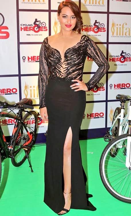 Sonakshi Sinha in Monisha Jaising gown at IIFA 2015