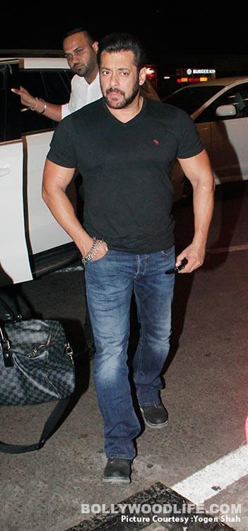 Salman-Khan-and-Katrina-Kaif-SPOTTED-AT-MUMBAI-AIRPORt-(1)