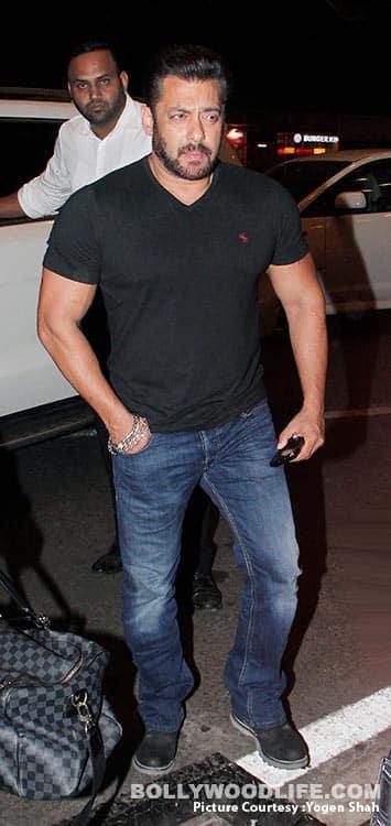 Salman-Khan-and-Katrina-Kaif-SPOTTED-AT-MUMBAI-AIRPORt-(3)