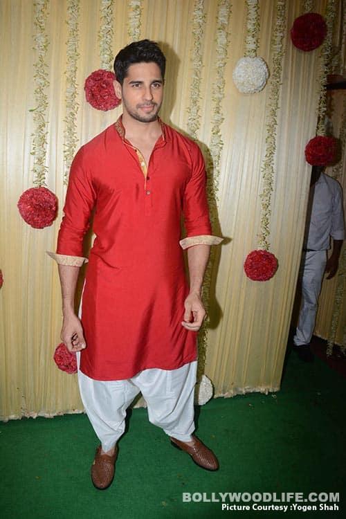 alia-bhatt-sidharth-malhotra-sonam-kapoor-,-sonakshi-etc-at-ekta-kapoor-party-at-krishna-bunglow-more-pics-Yogen-shah-(4)