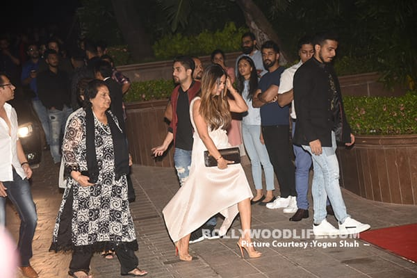 Suhana Steals The Show At Gauri Khan's Halloween Party!
