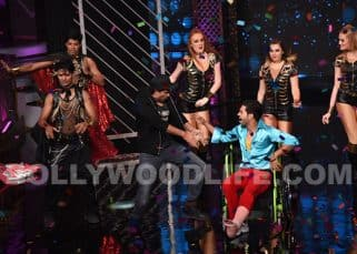 Rajkummar Rao performs with a broken leg on Lip Sing Battle as Hrithik Roshan cheers for him - view pics