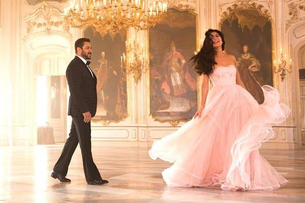 Tiger Zinda Hai song Dil Diyan Gallan still: Salman Khan and