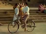 Padman teaser trailer: Akshay Kumar plays a popular guy with a tendency to be clumsy