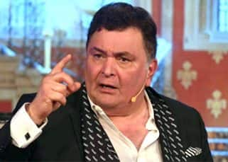 'Muft ki daaru', mutters an angry Rishi Kapoor when he sees media at the book launch of Raj Kapoor