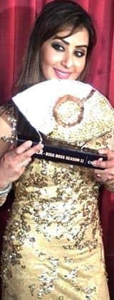 Bigg Boss 11 winner Shilpa Shinde dedicates win to late father – view pic
