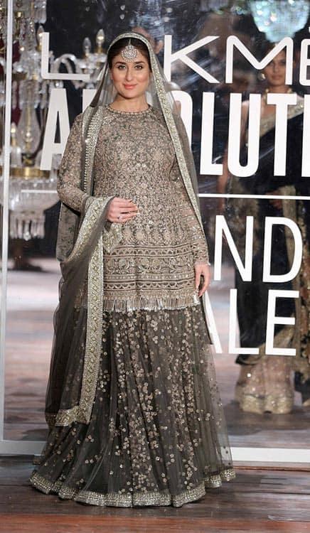 Lakme-Absolute-Brand-Ambassador-Kareena-Kapoor-at-the-Lakme-Absolute-Grand-Finale-Winter-Festive-2016