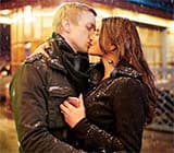 5 pictures where Aashka Goradia-Brent Goble teach us how to kiss at exotic locales and look good doing so