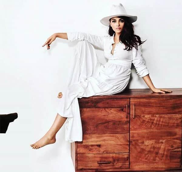Aishwarya-Vogue-4