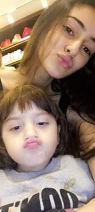 Ananya Panday's goofy pic with AbRam becomes the new internet favourite!