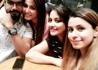 Hina Khan and Rocky Jaiswal have a reunion with Nidhi Uttam and Neha Saroopa of Yeh Rishta Kya Kehlata Hai