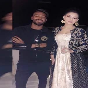Hardik Pandya and Urvashi Rautela's inside pic from a party goes viral amidst link up rumours!