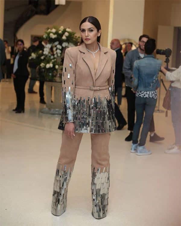 Kangana Ranaut channels Audrey Hepburn in black sari at Cannes