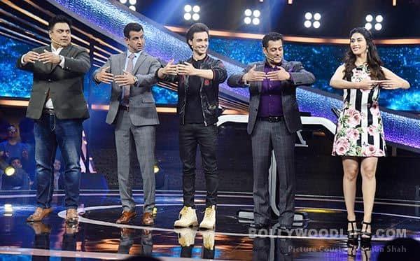 Loveratri-cast-with-Salman-Khan-learns-Ballet-Dancing-from-Warina-Hussain-on-Dus-Ka-Dum