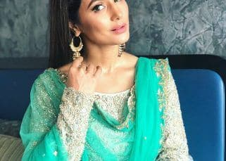 Hina Khan's shimmering green Eid outfit will make your wallet lighter by Rs 34,000